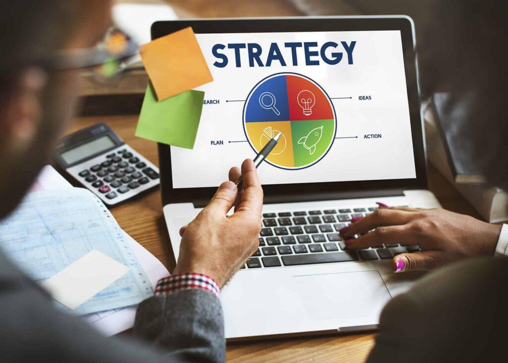 strategie op een computerscherm om aan growth hacking te doen
